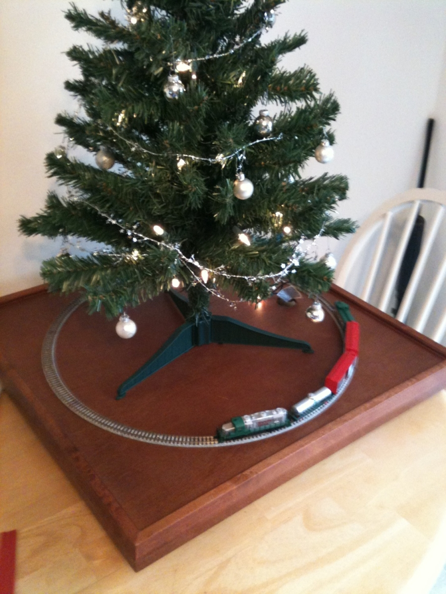 N Table Top With Tree
